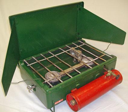 coleman-canada-4k-stove-cast-iron-burners-chevalier