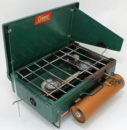 coleman-canada-4k-stove-pressed-steel-burners-chevalier